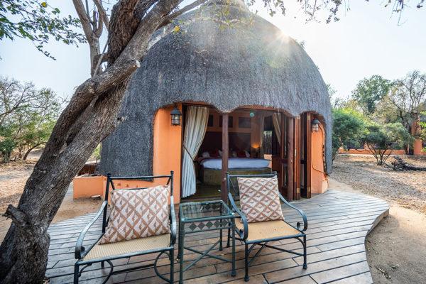 Hoyo-Hoyo-Safari-Lodge-Room-Exterior